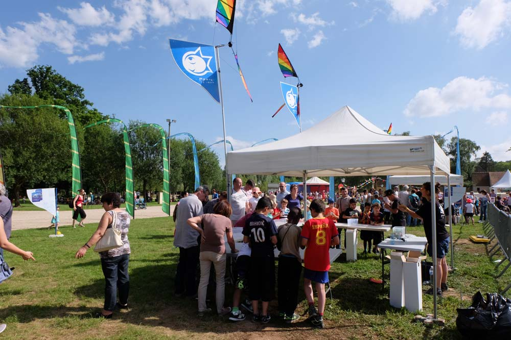 Atelier de fabrication de cerfs volants lors de festival