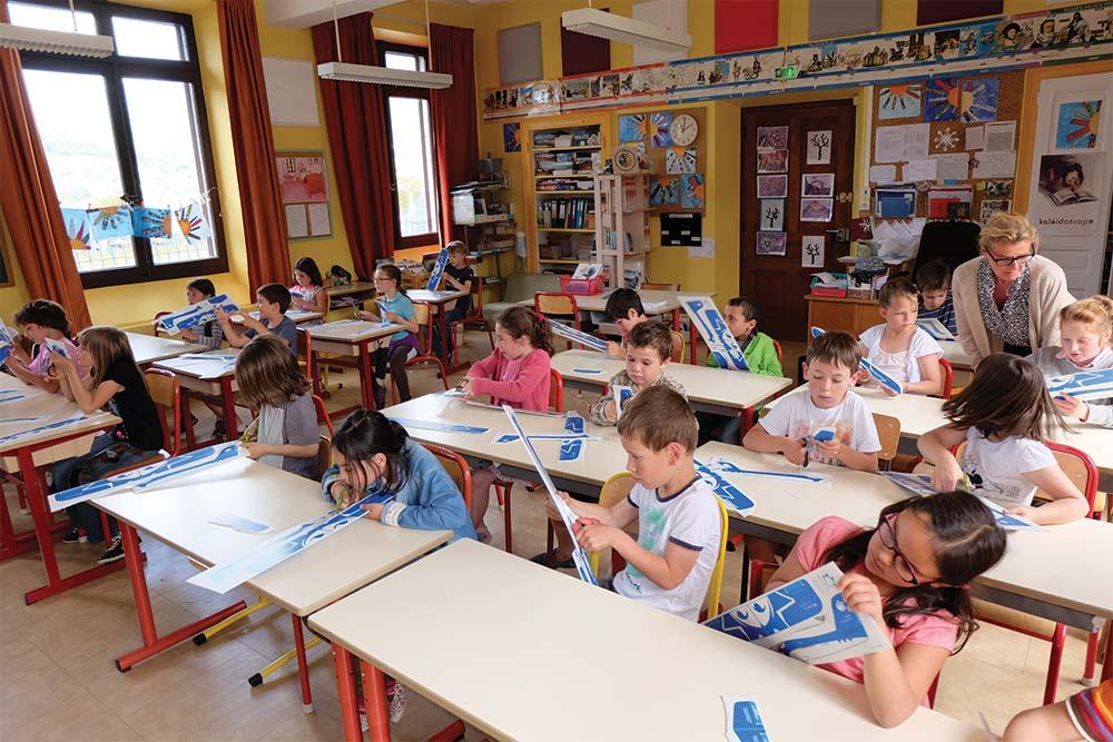 Atelier de fabrication de planeur dans les écoles