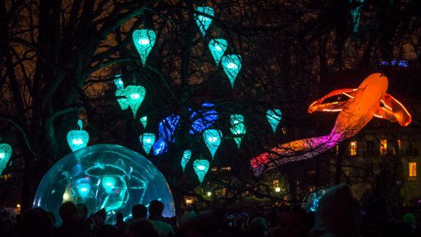 Installation lumiéres - amour en cage - fêtes des lumiéres Lyon